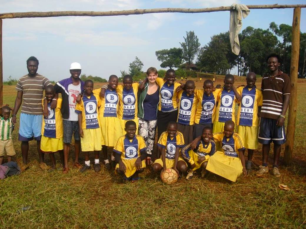 Sports coach for children and youth