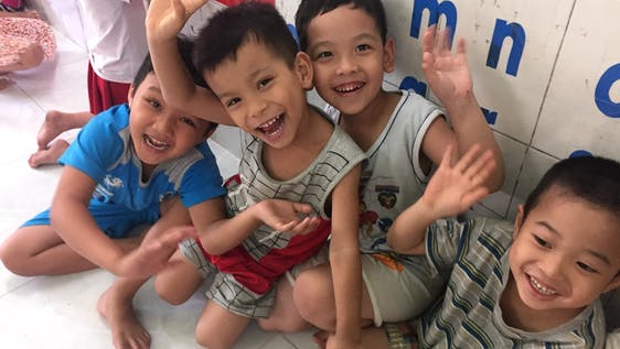 Teach underprivileged children in Da Nang city